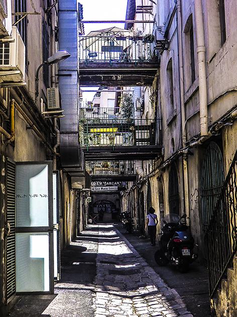 rue-de-marseille-2